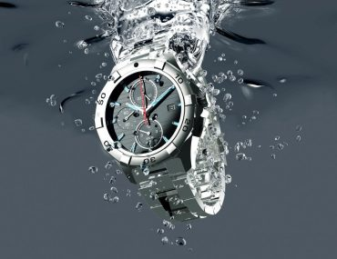 The Pro's & Cons of Watch Water Resistance